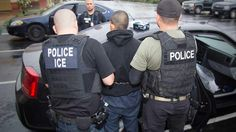 Police inspect murder of KKK chief - http://pagedesignshop.com/police-inspect-murder-of-kkk-chief/