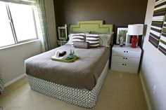 Wearstler's trellis, green, accent wall, white and brights... ahhh