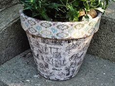 Vintage Crackled Flower Pot by @amandaformaro