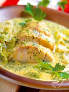 Cod with leeks Easy Cooking, Cooking Recipes, Healthy Recipes, Seafood Dishes, Fish And Seafood, Fish Recipes, Seafood Recipes, Cena Light, Fish Pasta