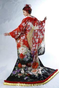 Yumi Katsura uchikake                                                                                                                                                      Plus