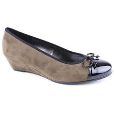 Ara Shoes 22-65230 Wedge Heels - slightly more autumnal but still could be worn now. Thought you would like as they are like pumps but have a slight heal