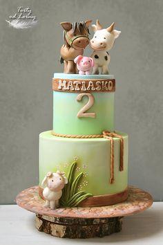 Farm Animals Birthday Cake Farm Birthday Cakes, Animal Birthday Cakes, Farm Animal Birthday, Animal Cakes For Kids, Farm Animal Cakes, Farm Animals, Barnyard Cake, Barn Cake, Jungle Cake