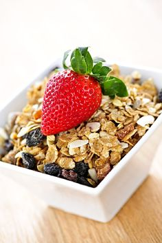 160 Clean Eating Snacks http://www.changeinseconds.com/160-clean-eating-snacks/