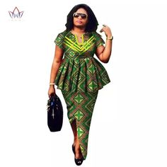 Online Shop Women suit African Dashiki For Women O-neck Skirt Set Bazin Riche African Fashion Clothing Cotton Traditional Clothing African Maxi Dresses, Latest African Fashion Dresses, African Dresses For Women, African Attire, African Fashion Traditional, Traditional Outfits, Suits For Women, Blouses For Women, Costume Africain