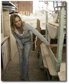 Rachel Ashwell Shabby Style, Rachel Ashwell, White Decorating, Shabby Chic Decorating, Distressed Furniture, Cottage Style, Flea Markets