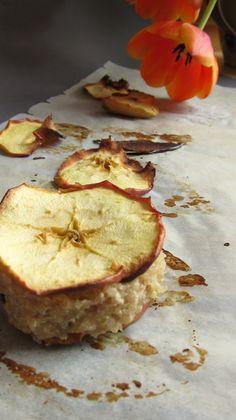 Apfelriegel Camembert Cheese, Dairy, Food, Apple, Meal, Essen, Hoods, Meals, Eten