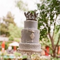 lavender cake with crown