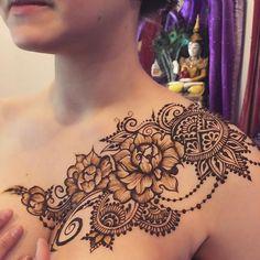 インスタよりginkas_arts Henna Hand Designs, Mehndi Art Designs, Henna Tattoo Designs, Mehndi Tattoo, Henna Mehndi, Henna Tattoos, Mehendi, Tatoos, Beautiful Tattoos For Women