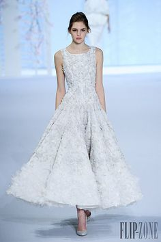 Haute Couture: The Sublime Ralph and Russo February 2016 Evening Dresses For Weddings, Wedding Dresses, Couture Fashion, Fashion Show, Ralph & Russo, Sparkle Wedding, Dressed To The Nines, White Gowns, Tea Length Dresses