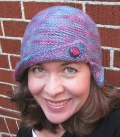 Free #knitting pattern for a reversible cloche.  Perfect for those who love 1920s fashion.