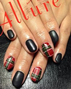 Stay cool and collected with this black, red, white and green ensemble. Arranged in a plaid and matte design, the nails look absolutely classy and stunning.