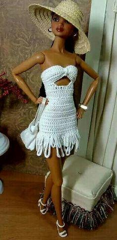 Vestidos de bonecas em crochê