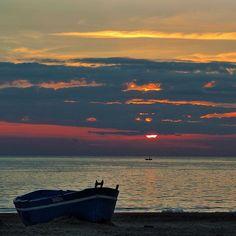 #sunset #fotogulumse #sea #beach #sun #estate #summer #nice #beautiful #mondragone #main_vision #click_vision #sky #skyporn #skyline #instagood #instagram #instadaily #instalike #amazing #follow #followme #skypainters #love #cielo #sole #mare #spiaggia #paesaggio #amore