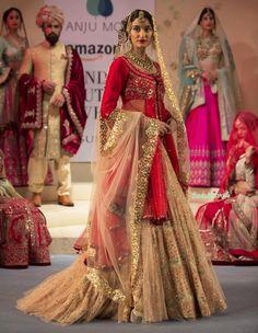 Anju Modi at Amazon India Couture Week 2015   thedelhibride Indian Weddings blog