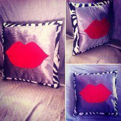 Lips pillow Home Goods, Room Decor, Lips, Throw Pillows, Homemade, Home Decor, Cushions, Home Made, Household Items