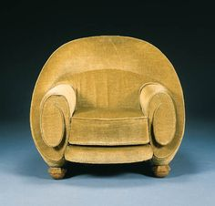 Art Deco upholstered armchair by Pierre Chareau, circa 1925 Art Deco Chair, Art Deco Furniture, Funky Furniture, Unique Furniture, Furniture Design, Silla Art Deco, Pierre Chareau, Interiores Art Deco, Art Nouveau