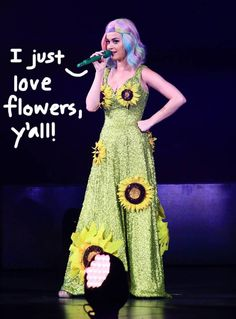 Katy Perry's sunflower dress causes controversy. Sunflower Dress, Love Flowers, Katy Perry, Celebrity Gossip, Sunflowers, Fashion Accessories, Outfit Ideas, Textiles, Hollywood