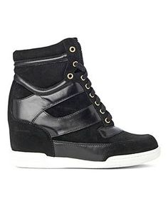 trainer heels