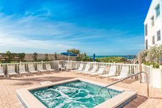 Come stay at island favorite Pelican Landing. Enjoy the beach and pool at this 2 bedroom unit. Manasota Key, Condo vacation rental.