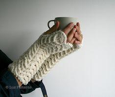 Ravelry: Crochet pattern, girl and women fingerless glove pattern, wrist warmer crochet pattern, crochet glove pattern (117) pattern by Luz Mendoza