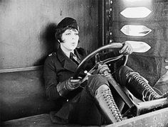 """Unusual but cool video clip of Clara Bow in """"Wings"""", 1927. Check out those boots! 😻 (👍 """"Killer boots, man!""""- Jim Carey, """"Dumb & Dumber"""")"""