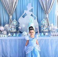 Cinderella Party Decorations, Cinderella Quinceanera Themes, Princess Birthday Party Decorations, Cinderella Theme, Princess Party Favors, Disney Princess Birthday, Cinderella Birthday, Birthday Party Themes, Birthday Crowns