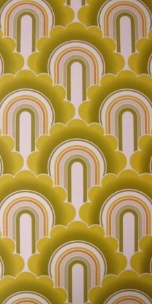 vintage wallpapr. My parents had this exact wall paper in Japan for a long time!!!!!!! :0!