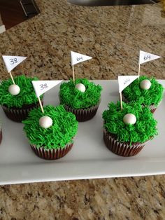 Sean and Dad's birthday Golf cupcakes Golf Cupcakes, Golf Cookies, Cupcakes For Men, Themed Cupcakes, Cute Cupcakes, Cupcake Cakes, Cup Cakes, Golf Themed Cakes, Golf Birthday Cakes