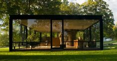 Glass House, the famous Philip Johnson structure in New Canaan Modern Architecture House, Sustainable Architecture, Architecture Design, Style At Home, Philip Johnson Glass House, Modern Glass House, Glass Facades, Modular Homes, Beautiful Homes