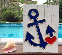 Handmade Anchor with Heart Beach Pallet Art Nautical Art Coastal Decor Anchor Art Rope Art Pallet Art - Pallet Ideas Driftwood Crafts, Pallet Crafts, Pallet Art, Pallet Wood, Driftwood Mobile, Pallet Ideas, Art Corde, Deco Miami, Anchor Art