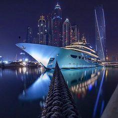 Dubai marina ✨ Follow our friend @theaffluentleague for more...