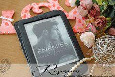 """""""Enemies and Lovers"""" von C. R. Scott · time4booksandmore.com Magnolia, Lovers, Magnolias"""