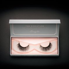 Exclusive Noire lashes with Multi-Curl. Subtly criss-crossed with a gradient of fur, this pair gives you voluminous, sultry eyes without looking over the top.
