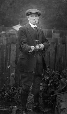 My great, great granddad was an Edwardian gamekeeper in Suffolk, Norfolk, Wales and Lancashire Antique Photos, Vintage Photographs, Old Photos, Old Pictures, Vintage Photos, Edwardian Era, Edwardian Fashion, Victorian Era, Vintage Fashion