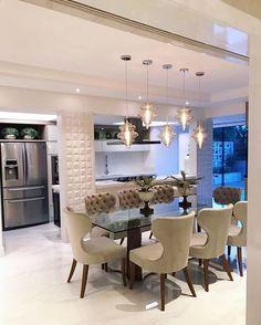 Every luxury dining room has its unique character and design. Luxury Dining Room, Dining Room Lighting, Dining Room Design, Küchen Design, Design Case, House Design, Interior Design Living Room, Living Room Decor, Plafond Design