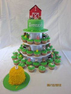 Birthday Farm Cake Made this for my best friends little girl. Farm Birthday Cakes, 1st Birthday Cupcakes, Cupcakes For Boys, 1st Boy Birthday, First Birthday Parties, Birthday Ideas, Cowgirl Birthday, Barnyard Cake, Barnyard Party