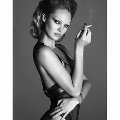 Candice Swanepoel naakt voor LUI Magazine, meer foto's hierrr:  http://prutsfm.nl/prutsfm/?p=111948