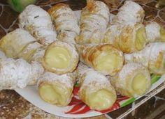 Rulouri cu cremă de vanilie frisca sau ciocolată Dessert Recipes, Desserts, Sushi, Dairy, Ice Cream, Sweets, Cheese, Homemade, Healthy