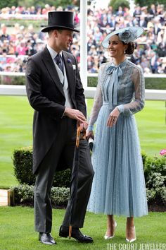 Prince William & Catherine, Duke and Duchesse of Cambridge at Royal Ascot 2019 -. - Prince William & Catherine, Duke and Duchesse of Cambridge at Royal Ascot 2019 -… Prince Willia - Kate Middleton Outfits, Kate Middleton Kids, Style Kate Middleton, Prince William Hair, Prince William Girlfriends, Prince William And Catherine, Duchess Kate, Duke And Duchess, Duchess Of Cambridge