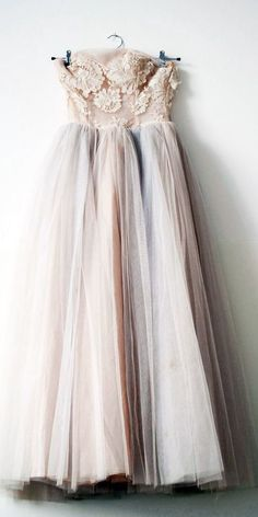 lace, dress, costume, tulle, soft, portraiture, photography prop, woman's portraiture, pictures of women, buy photo props, sue bryce, emily soto, ethereal, whimsical