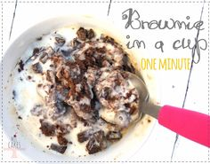 Brownie en taza en 1 minuto / brownie in a cup one minute!