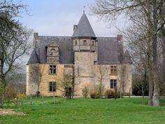 Manor house in Normandy France English Country Decor, French Country Decorating, French Cottage, French Country House, Beautiful Castles, Beautiful Buildings, Abandoned Houses, Old Houses, Architecture Antique
