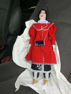 Caroline Parker doll by Barbara Helen Hill 2013; Six Nations Reserve, Canada