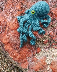 """rubysubmarine My crochet octopus pattern continues to be one of the most popular in my shop... I don't design stuff like this anymore but maybe I should?? Need more hours in the day yo. (Ravelry search """"realistic crochet octopus"""")  #crochet #octopus #crochetgram #diy #diychicago #yarnlove #amigurumi #instarav #instacrochet #instagood #littlethings #makeitgood #yarnlife #crocheted #crocheting #chicago #crochetdesign #crochetaddict"""