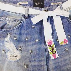 Denim Details! #twinsetjeans #twinsetsimonabarbieri #twinset #summer #fashion #look #jeans #denim #pearls #flowers
