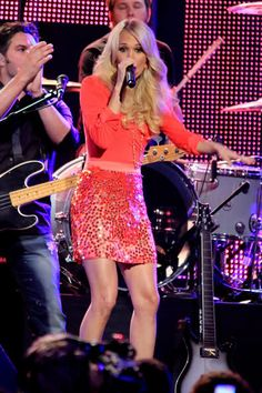LOVE this outfit Carrie Underwood wore on Jimmy Kimmel. So fun and chic!