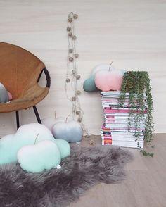 Kissen - MIKANU Wolkenkissen mit Farbverlauf - ein Designerstück von MiKaNu bei DaWanda