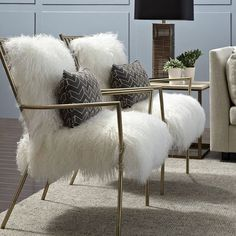 http://glamhomefurniture.com/products/leena-sheepskin-chair Shop here👆🏻 #glamhomefurniture#blogger#interiordesigner#interiors#interiordecor#instacool#instafashion#instalike#instamood#instadaily#instalike#instadaily#instafollow#followme#hollywood#chair#furniture#hgtv#flipflop#love#home