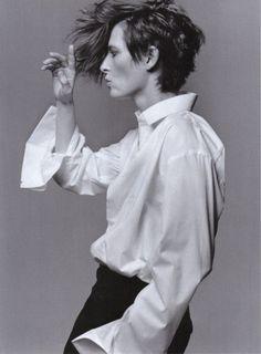 Style (Tilda Swinton, photo by Craig McDean for Vogue Italia) Craig Mcdean, Tilda Swinton, Gender Bender, Style Androgyne, The Thin White Duke, Black White, Androgynous Fashion, Ring Verlobung, Beautiful People
